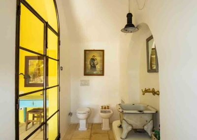 "Masseria Celano, ""Millipede"" Apartment, East bathroom"