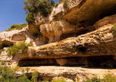 Gravina di Riggio, Grotta fortezza